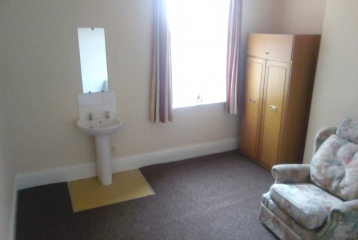 Good size room, Christ Church Rd (26-2)