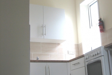 Room with own kitchen unit for rent, St. Mary`s Rd. (11-3)
