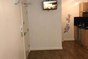Studio-flat near Train Station in Doncaster