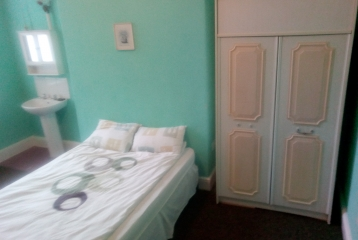 Good size room, Christ Church Rd (44-2)